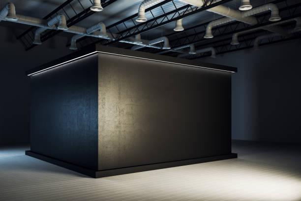 Moderne schwarze Ausstellung Hall Interieur – Foto