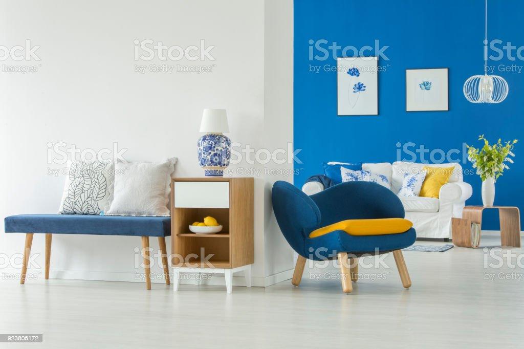 Fesselnd Moderne Blaue Wohnzimmer Lizenzfreies Stock Foto