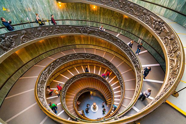 Moderna Bramante escalera en el Vaticano - foto de stock