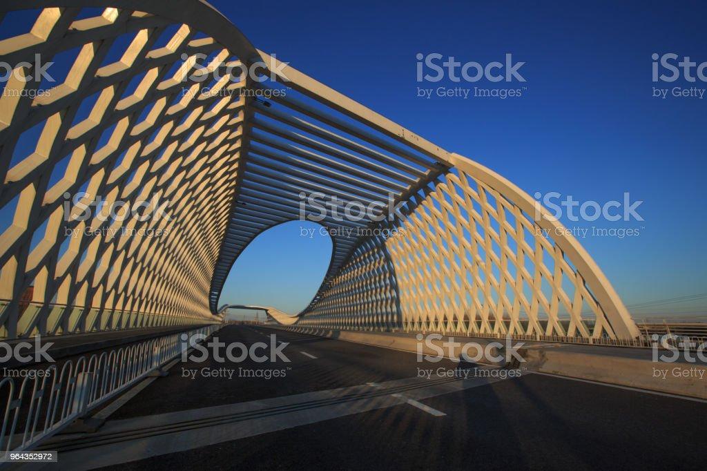 Moderna ponte - Foto de stock de Arquitetura royalty-free