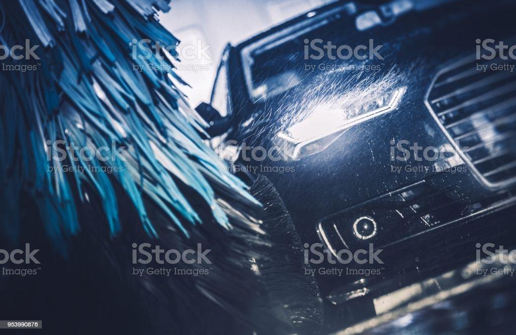 Colada de coche del cepillo moderno - foto de stock