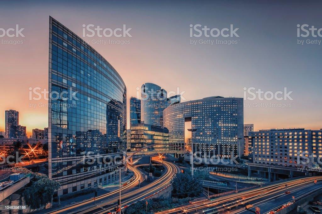 Paris modern bina - Royalty-free Araba - Motorlu Taşıt Stok görsel