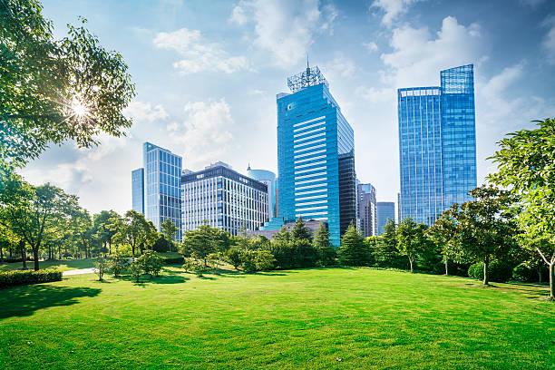 上海のモダンなビル - 緑 ビル ストックフォトと画像