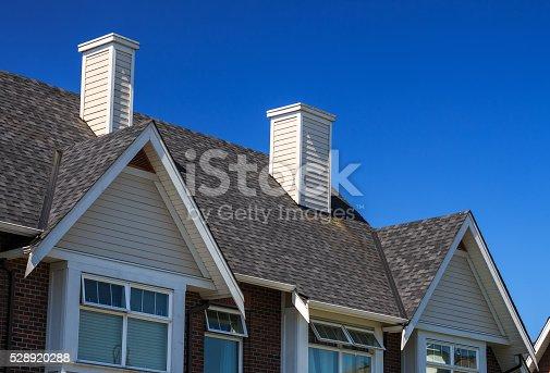istock Modern Building 528920288