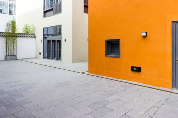 Pisos y paredes del moderno edificio - foto de stock