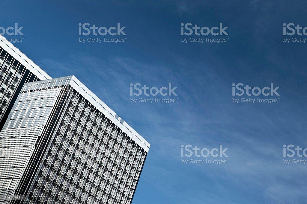 Bâtiments modernes et ciel bleu - Photo
