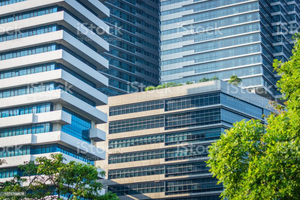 Modern buildings in sunny day in Bangkok, Thailand – zdjęcie