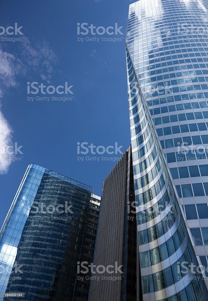 Moderne Business Tower Vor Blauem Himmel Stockfoto Und Mehr Bilder
