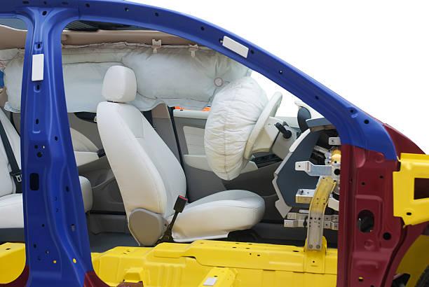 Moderne Auto zeigen Airbag innen cut in half mit path – Foto
