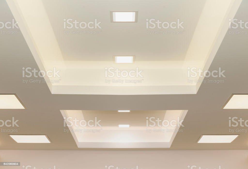 Moderne Deckenbeleuchtung Stock Fotografie Und Mehr Bilder Von