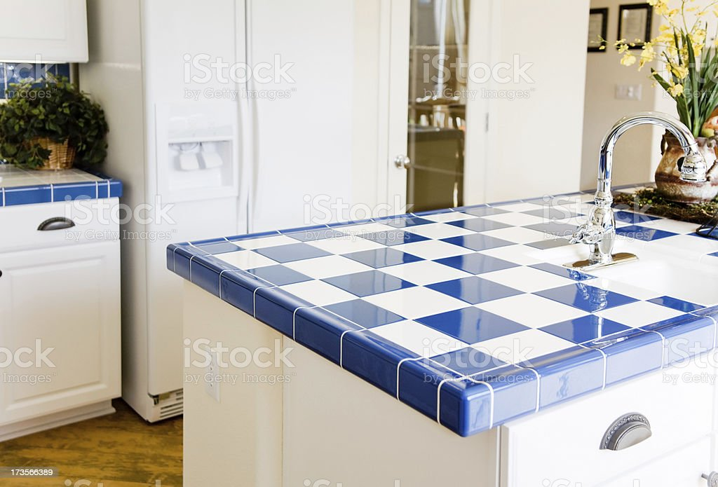 Moderne Chekered Küche - Lizenzfrei Arbeitsplatte Stock-Foto