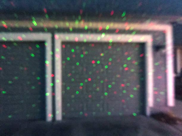 modernen weihnachtsbeleuchtung - moderner dekor für ferienhaus stock-fotos und bilder