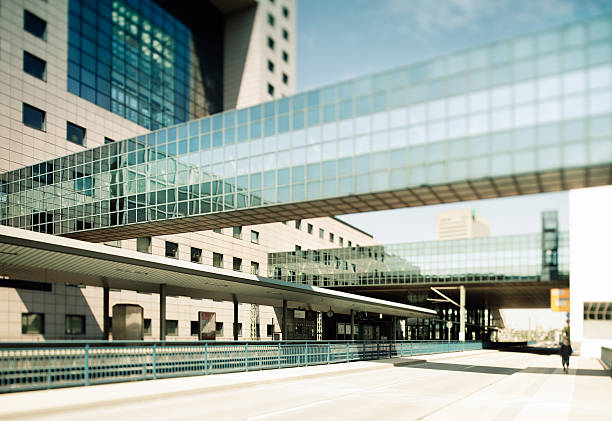 moderne stadt station - ausstellungen frankfurt stock-fotos und bilder