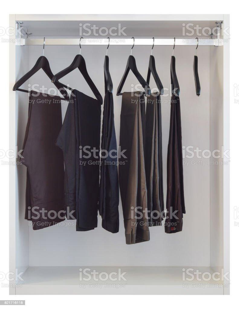 Moderner Schrank Mit Zeile Hose Hangen In Weisser Kleiderschrank