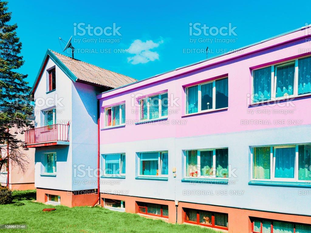 Photo libre de droit de Maison De Campagne Moderne Avec Intérieur Yard  Druskininkai banque d\'images et plus d\'images libres de droit de {top  keyword}