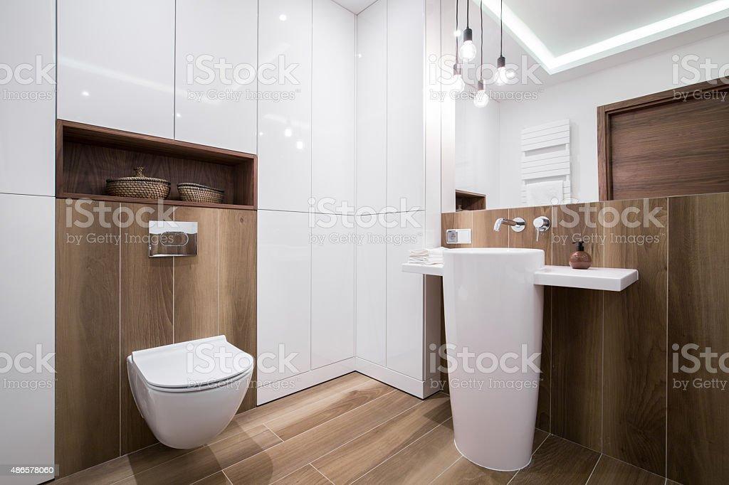 Moderne Gemütliches Badezimmer Stockfoto und mehr Bilder von 2015 ...