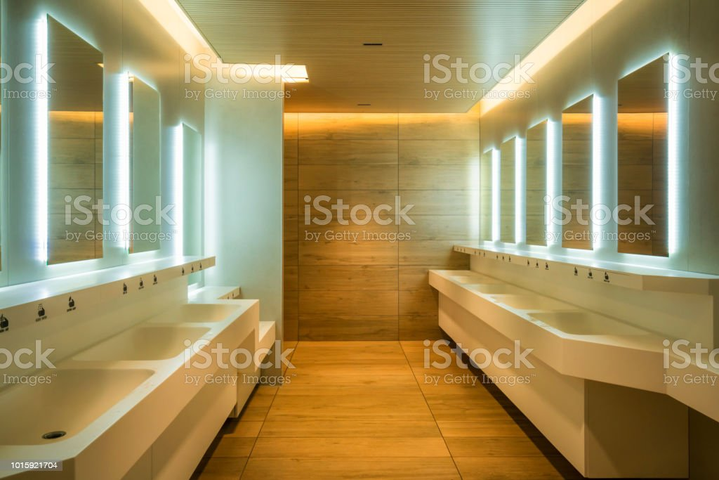 Moderne Design Der Öffentlichen Toilette Und Toilette Stockfoto und ...