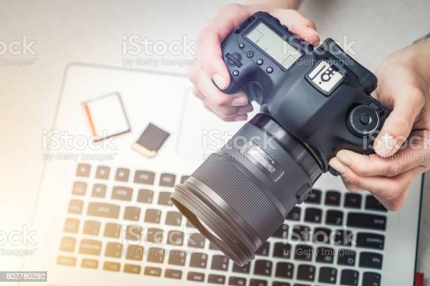 Modern digital dslr camera photography concept picture id802780292?b=1&k=6&m=802780292&s=612x612&h= mbj rt7gm0xshncayr7s5zquunff9szm6tcyjibxrs=