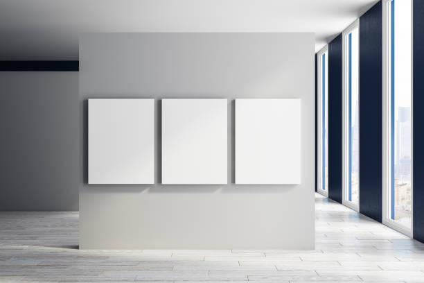 Moderne Halle mit banner – Foto