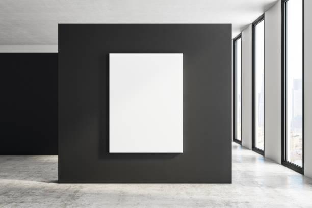 Moderne Halle mit billboard – Foto