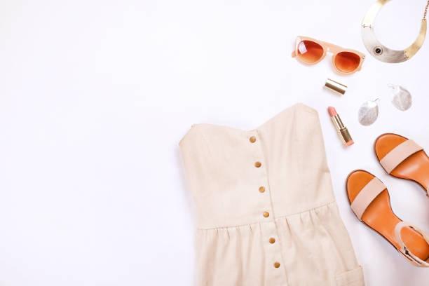 modernen modischen look für stilvolle mode blog lookbook. wohnung lag der stilvolle kleidung für frau magazin. - dresses online shop stock-fotos und bilder