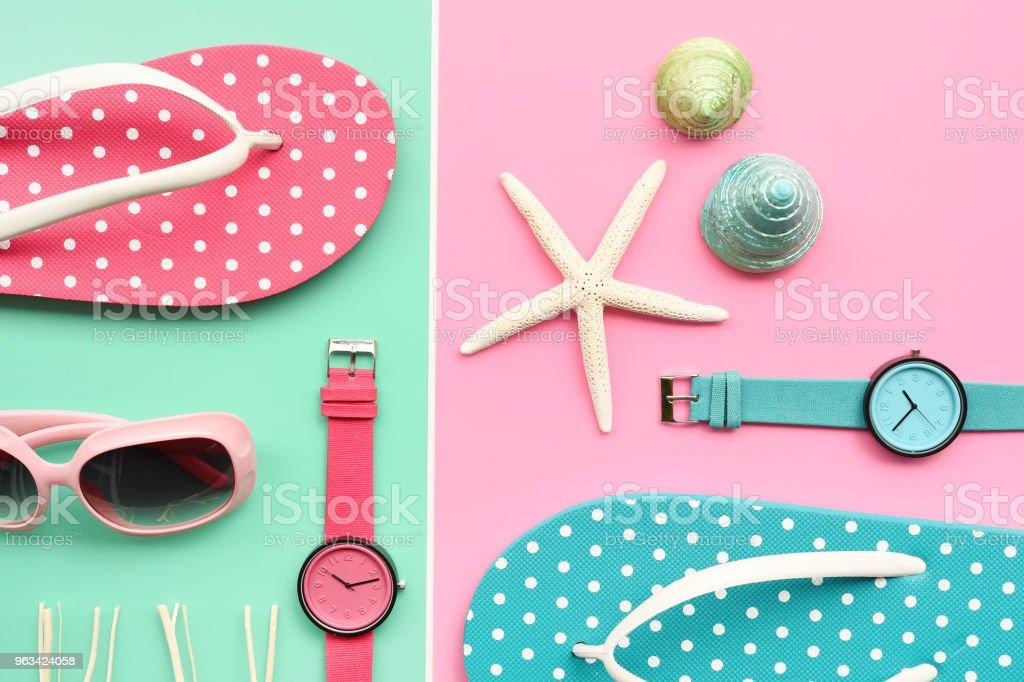 Modern fashionable sunglasses and sandals with starfish - Zbiór zdjęć royalty-free (Akcesorium osobiste)