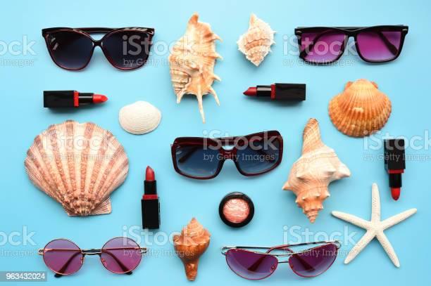 Nowoczesne Modne Okulary Przeciwsłoneczne I Rozgwiazdy Z Muszlą - zdjęcia stockowe i więcej obrazów Akcesorium osobiste