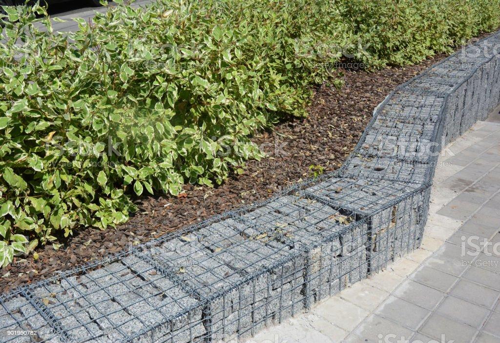 Moderner Gabione Zaun Mit Steinen In Wire Mesh Gabion Maschendraht