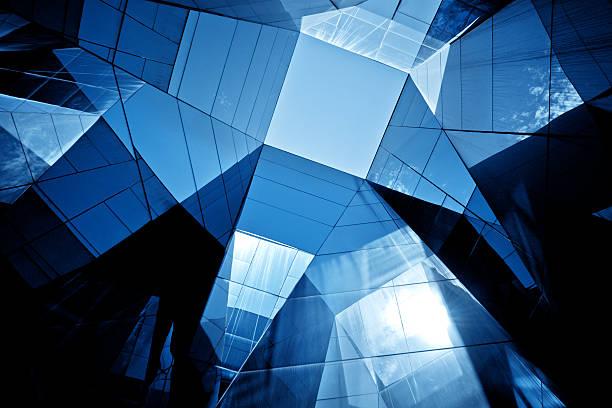 moderne glas-architektur - foto im glas stock-fotos und bilder