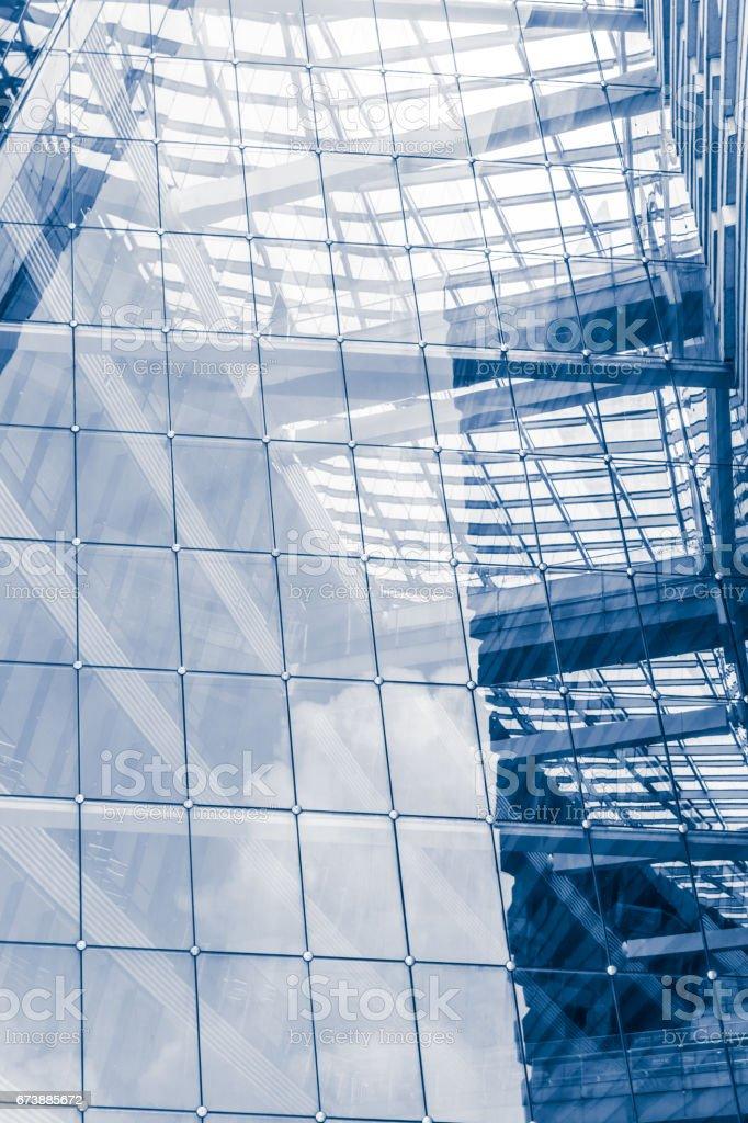 Mur de verre moderne d'immeuble de bureaux photo libre de droits