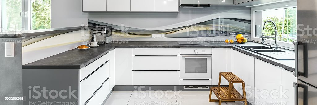 Modern grey kitchen royaltyfri bildbanksbilder