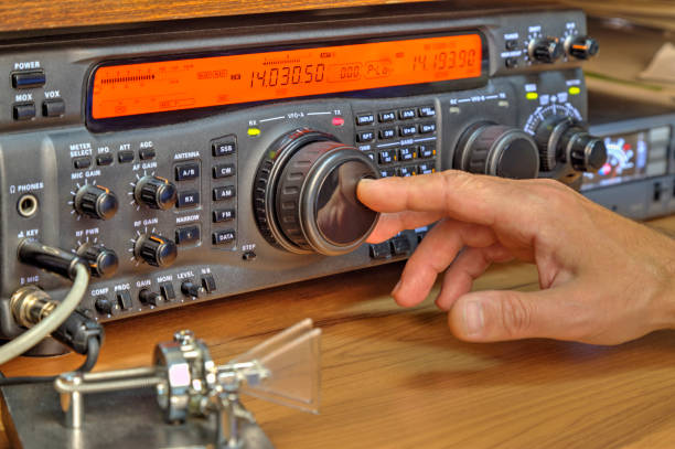 modern high frequency radio amateur transceiver - trasmissione radiofonica foto e immagini stock