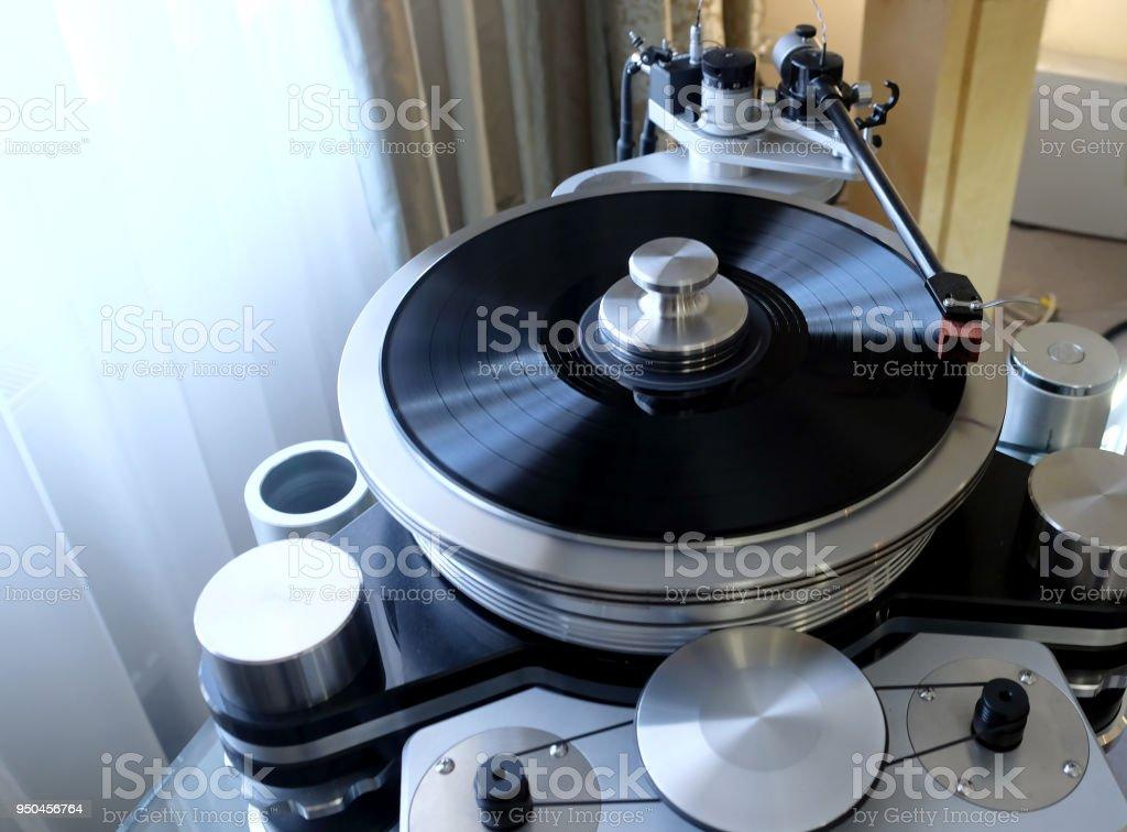 Fotografía de Moderno Reproductor De Discos De Alta Precisión Con Un ...