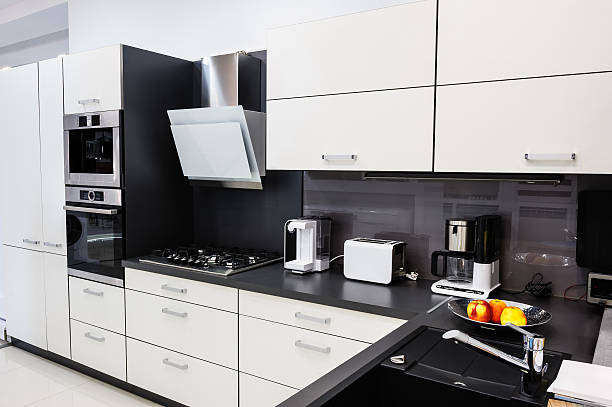モダンな hi -tek キッチン、すっきりとしたインテリアデザイン ストックフォト