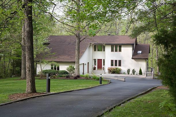 moderna casa - asfalto foto e immagini stock