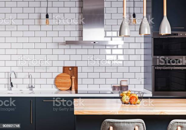 Modern interior spacious kitchen picture id905901748?b=1&k=6&m=905901748&s=612x612&h=oqey7cgku7givhm0pi6rgwjhc65 by8aoqttulvigis=
