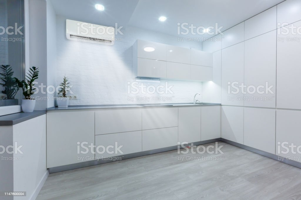 Modern Kitchen And Dining Area In Modern Suburban House Stock Photo Download Image Now Istock