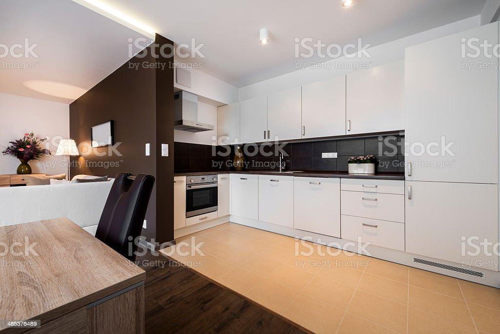 Moderne Küche Und Wohnzimmer Stockfoto und mehr Bilder von ...