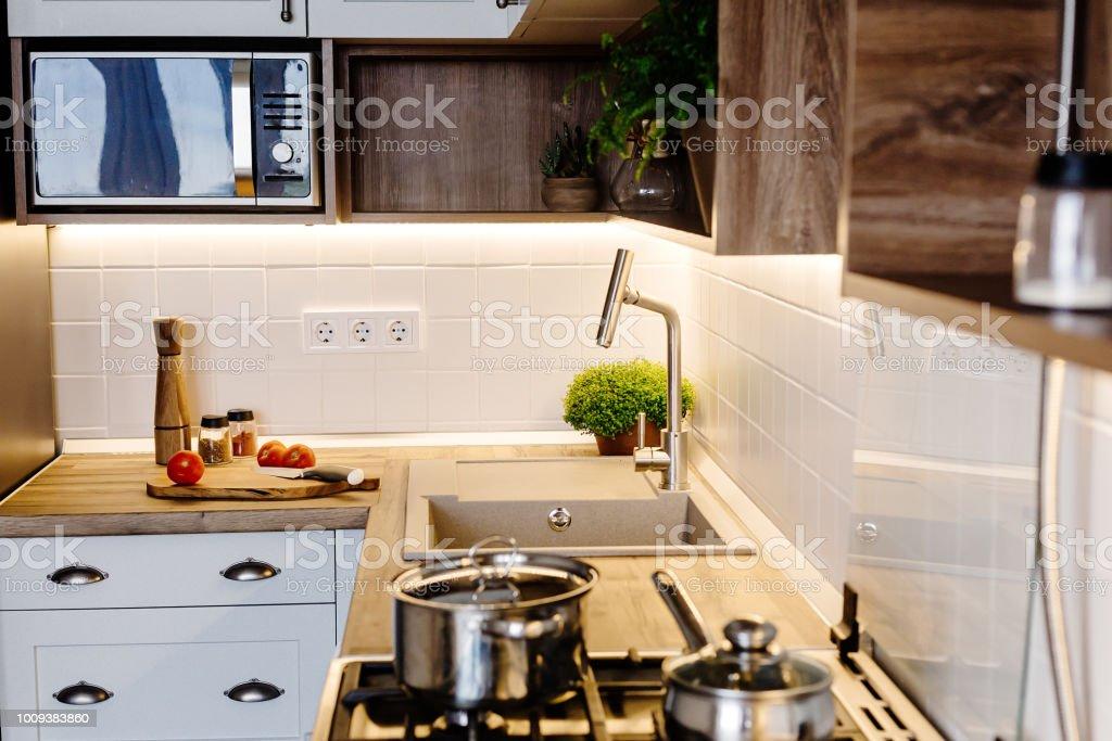 Photo libre de droit de Design De Cuisine Moderne Dans Un ...