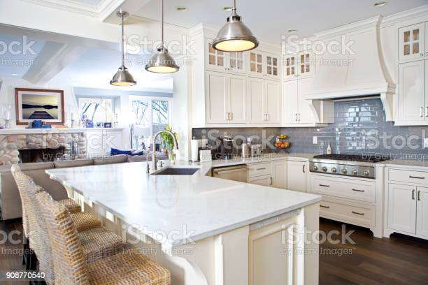 Modern kitchen design with open concept and bar counter picture id908770540?b=1&k=6&m=908770540&s=612x612&h=d4bllafz9g7pv65bfpss9xvr7iviuhtz ehxf hsqtk=