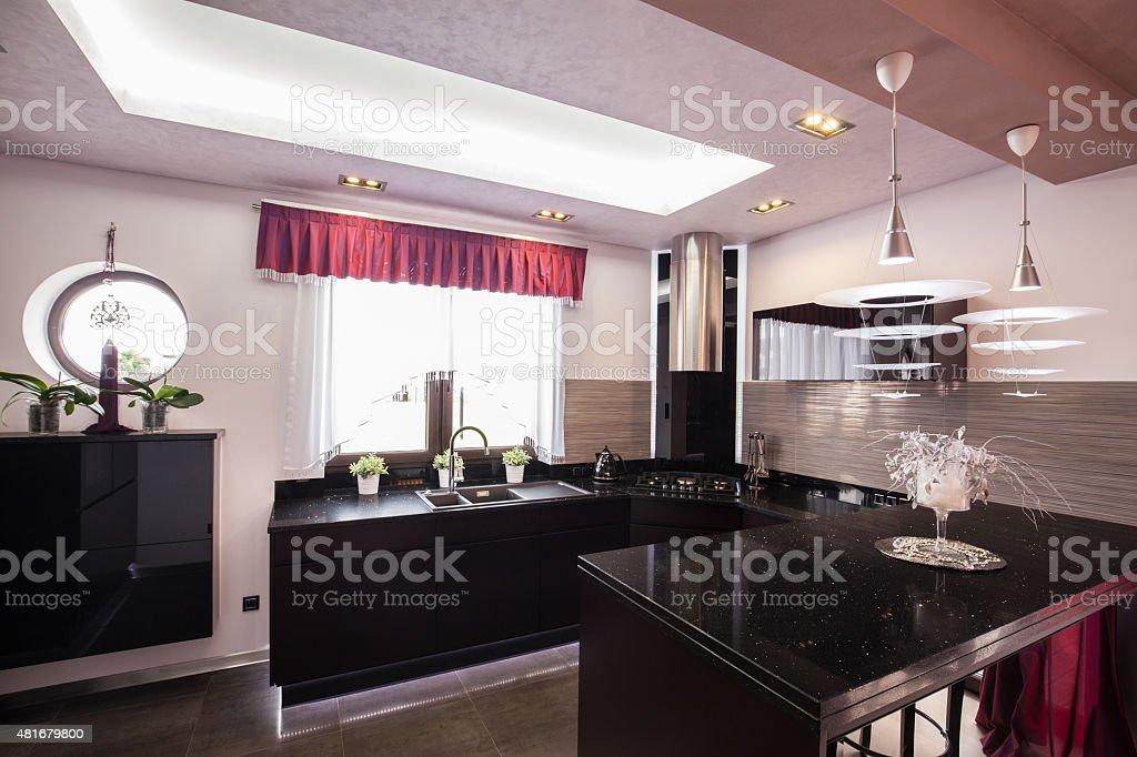 Moderne Küche In Luxus Haus Stockfoto und mehr Bilder von ...