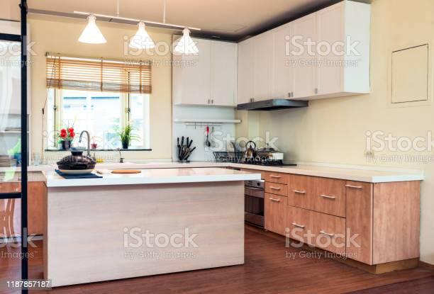 Modern kitchen in taipei taiwan picture id1187857187?b=1&k=6&m=1187857187&s=612x612&h=hxccy38trsnedpv3wvwmfjzios1q1 durrbc7ay5ace=