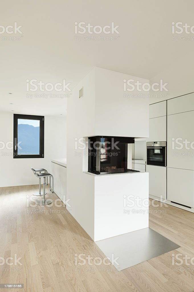 Camino In Cucina Moderna.Cucina Moderna Con Caminetto Fotografie Stock E Altre