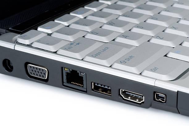modernen laptop-anschlüsse - godfriededelman stock-fotos und bilder