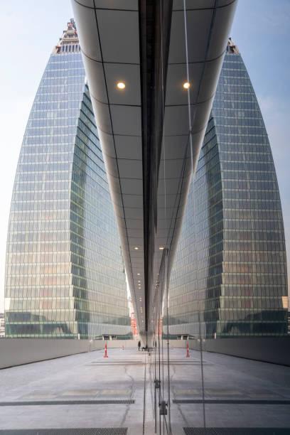 Torre Moderna Libeskind em Citylife, Milão - foto de acervo