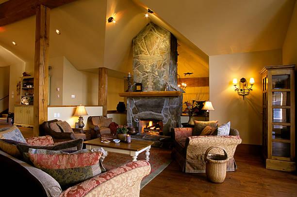 moderne wohnzimmer house innenansicht - skihütte stock-fotos und bilder