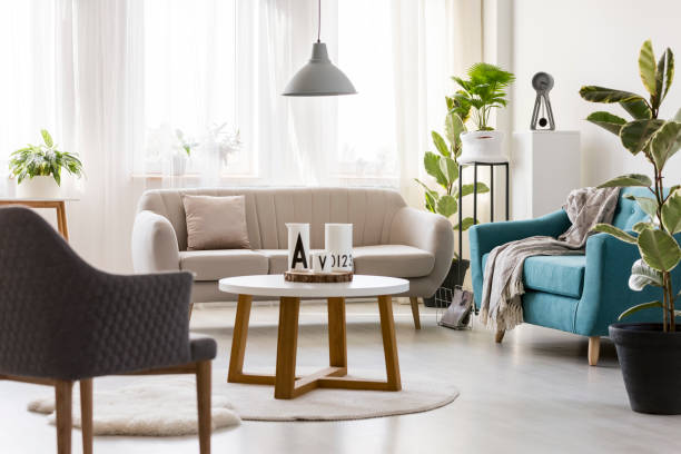 modernen wohnzimmer interior - sessel türkis stock-fotos und bilder