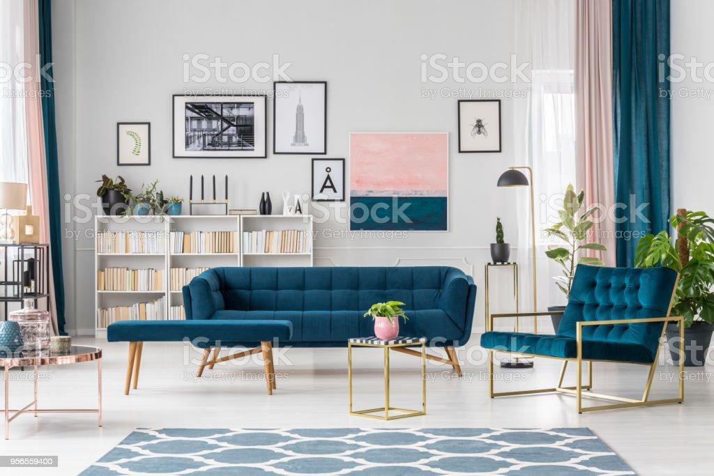 Moderne Wohnzimmer Stockfoto und mehr Bilder von Blau