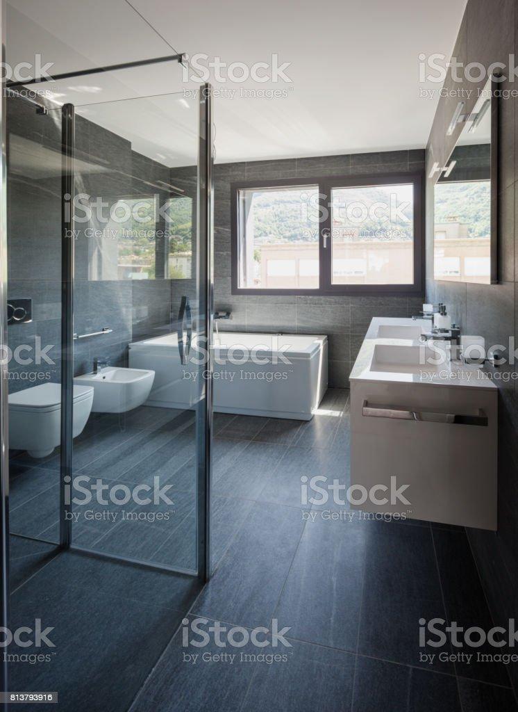 Moderne Luxusbadezimmer Stockfoto und mehr Bilder von Architektur ...