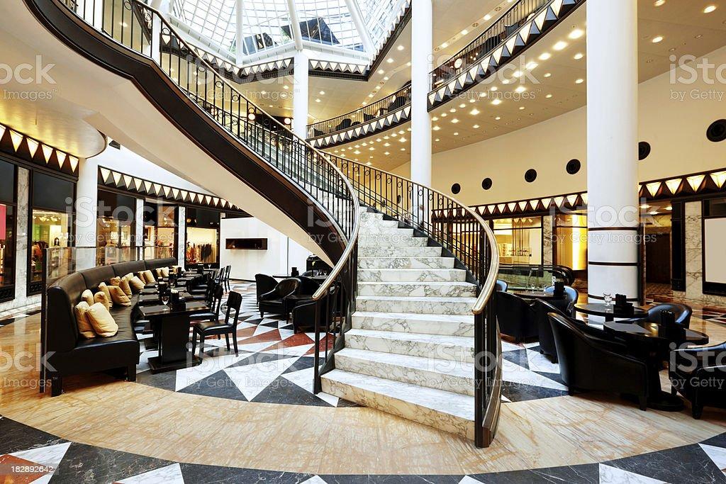 Moderne Luxus-Treppe Lizenzfreies stock-foto